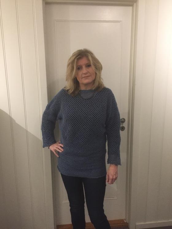 meg-med-bla-genser