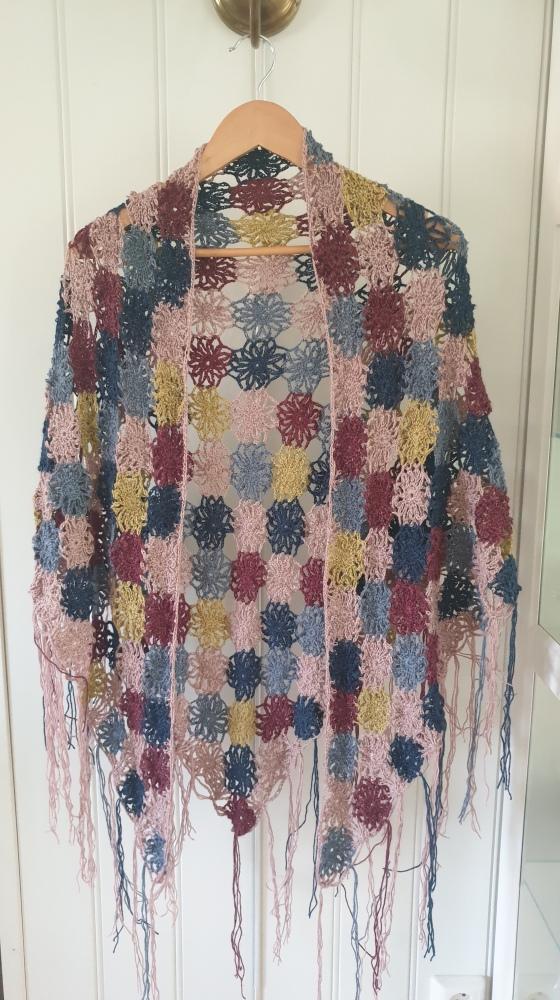 Bilde av sjal med mange farger